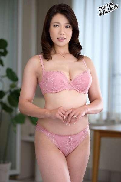 里崎愛佳Profile